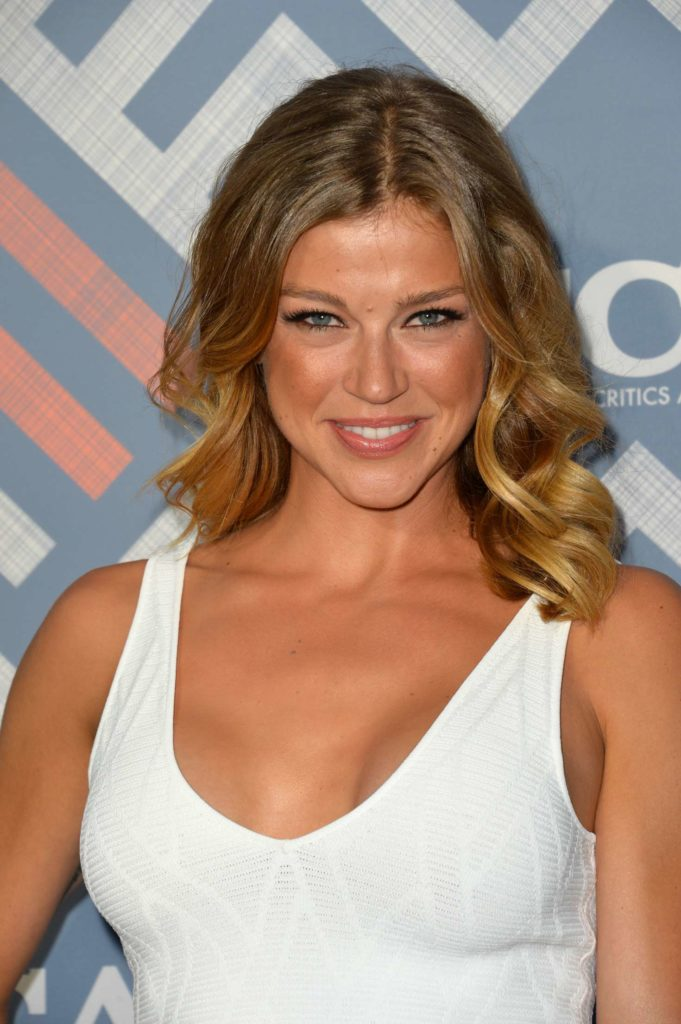 Adrianne Palicki Smileing Pictures