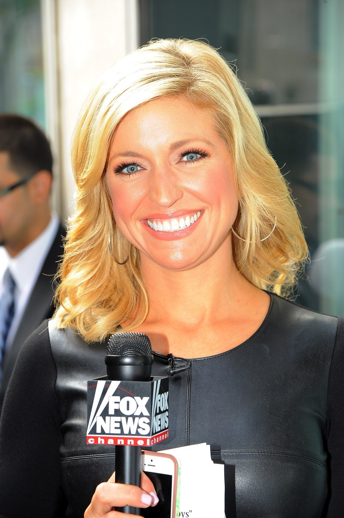 Ainsley Earhardt Body Pictures