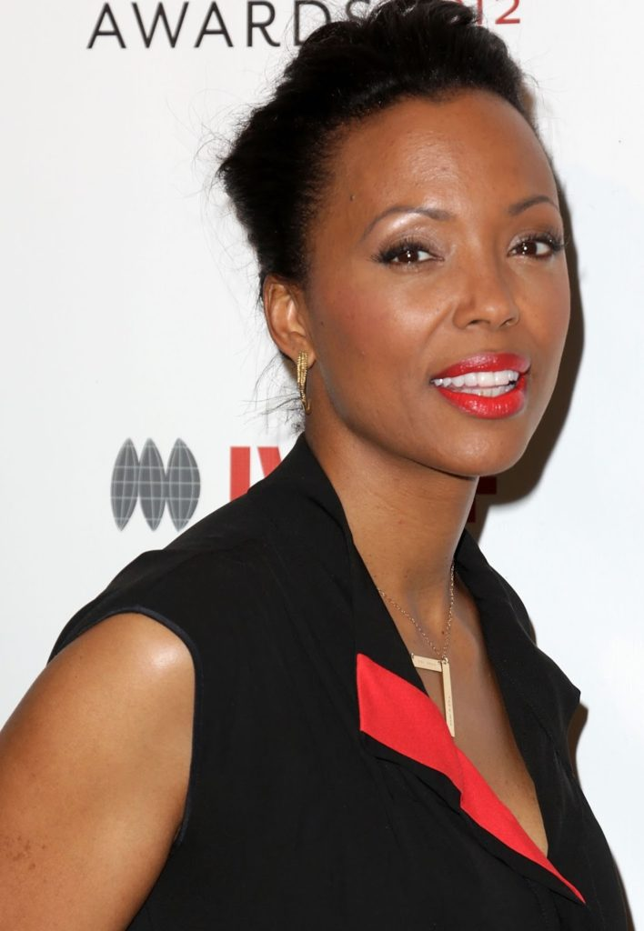 Aisha Tyler Bra Photos