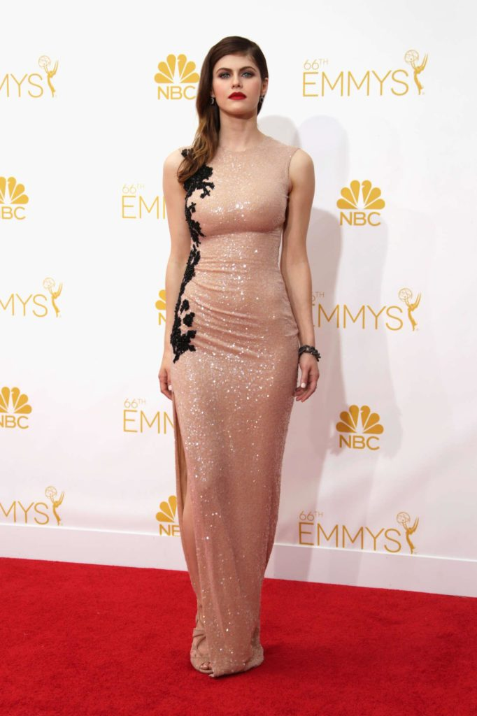 Alexandra Daddario Gown Pictures