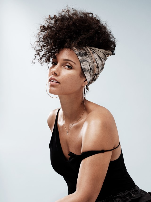 Alicia Keys Boobs Pictures