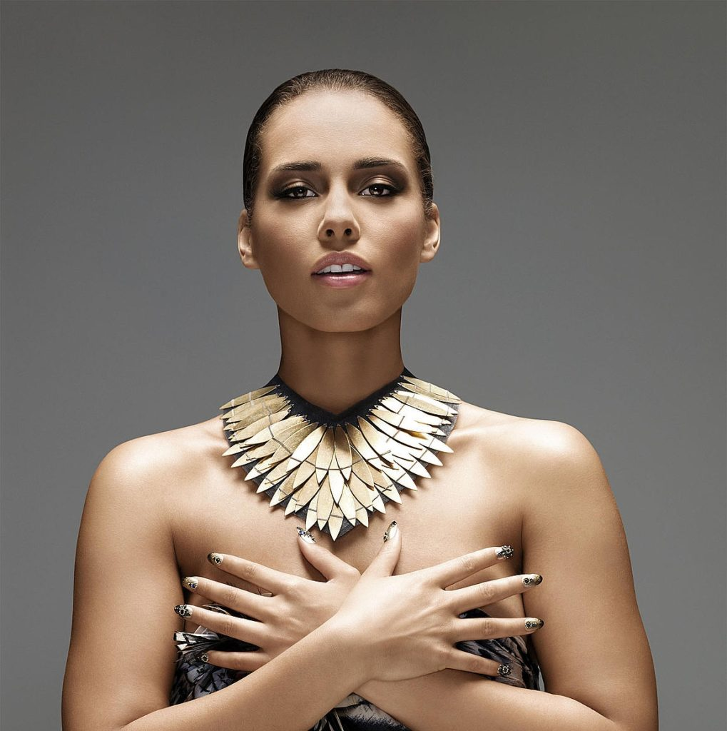 Alicia Keys Sexy Pictures