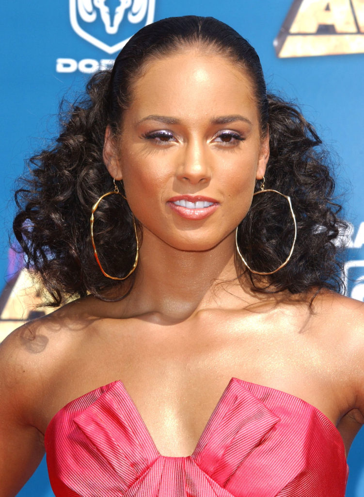 Alicia Keys Topless Images