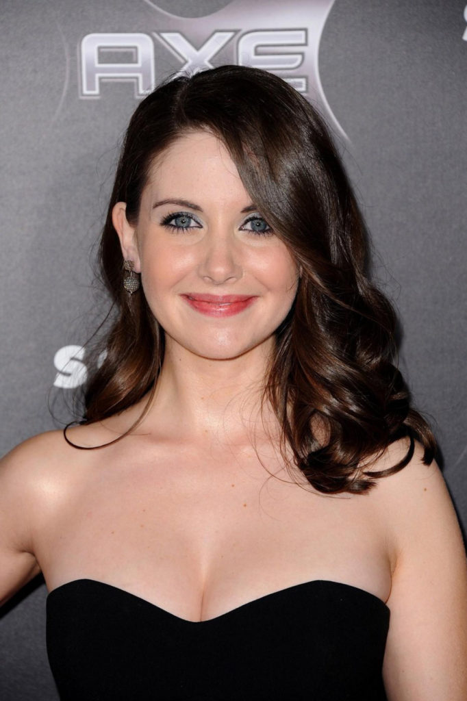 Alison Brie Topless Pictures