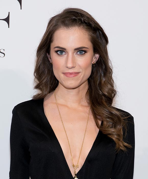 Allison Williams Topless Wallpapers