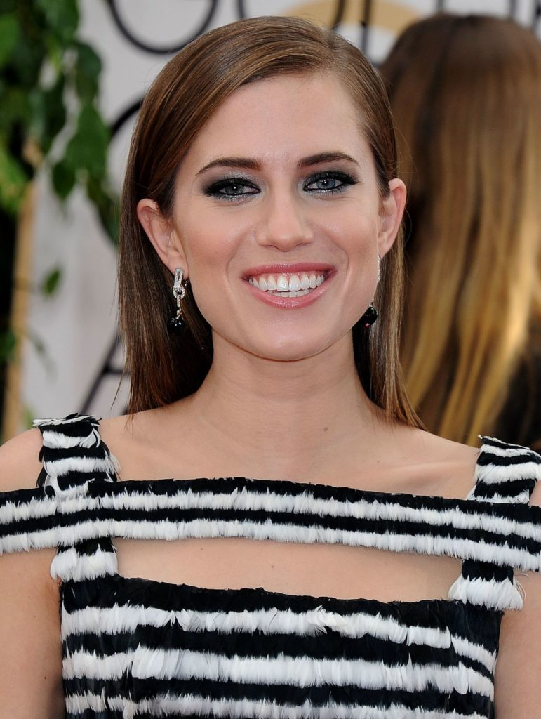 Allison Williams Workout Pictures