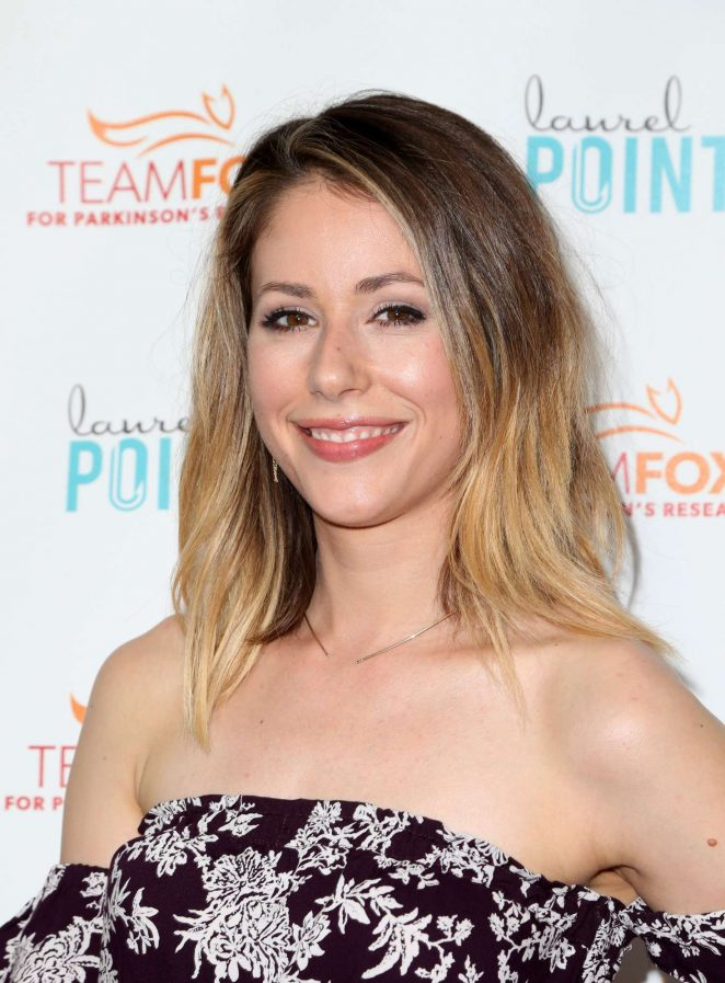 Amanda Crew No Makeup Photos
