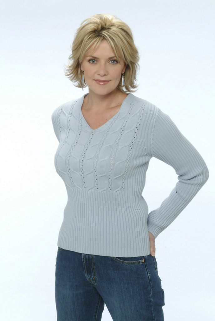 Amanda Tapping Butt Pictures