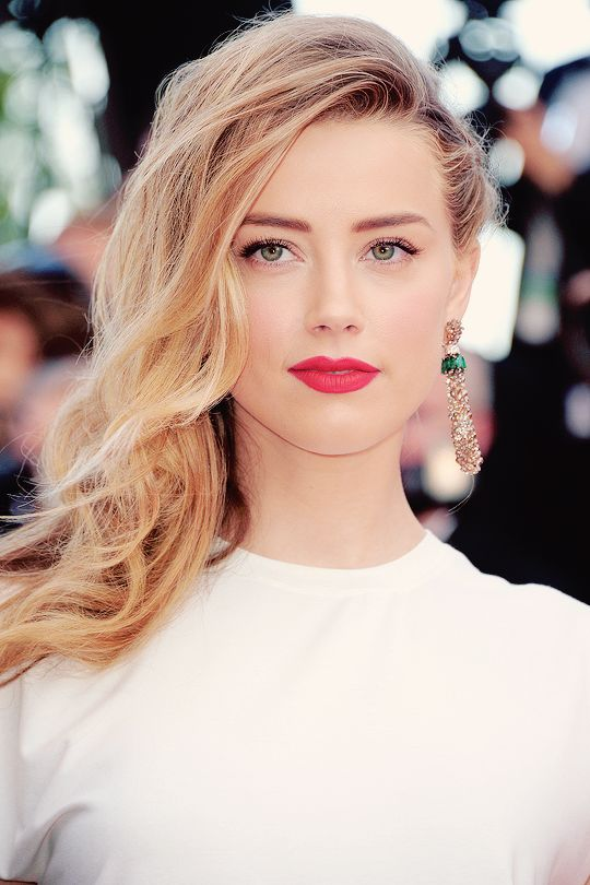 Amber Heard Hair Style Images