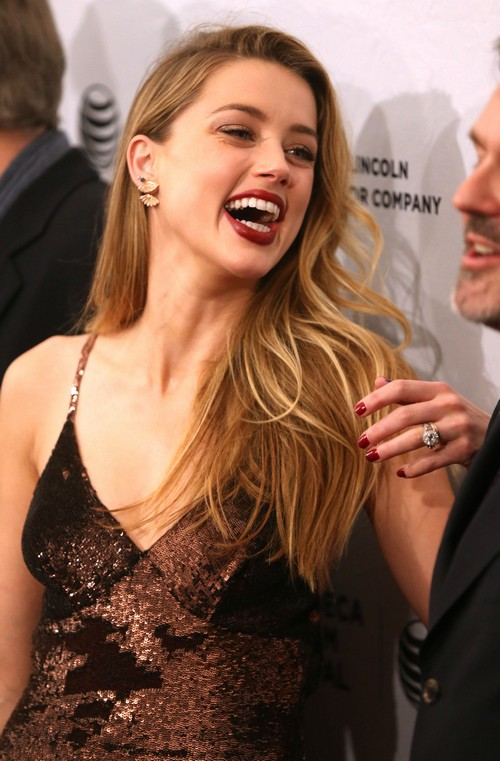 Amber Heard Muscles Wallpapers