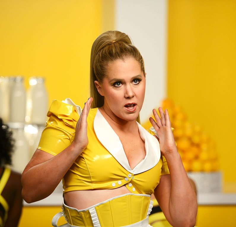 Amy Schumer Sexy Images