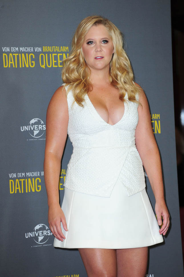 Amy Schumer Yoga Pants Photos