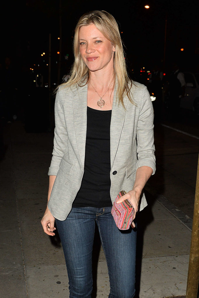 Amy Smart Jeans Images