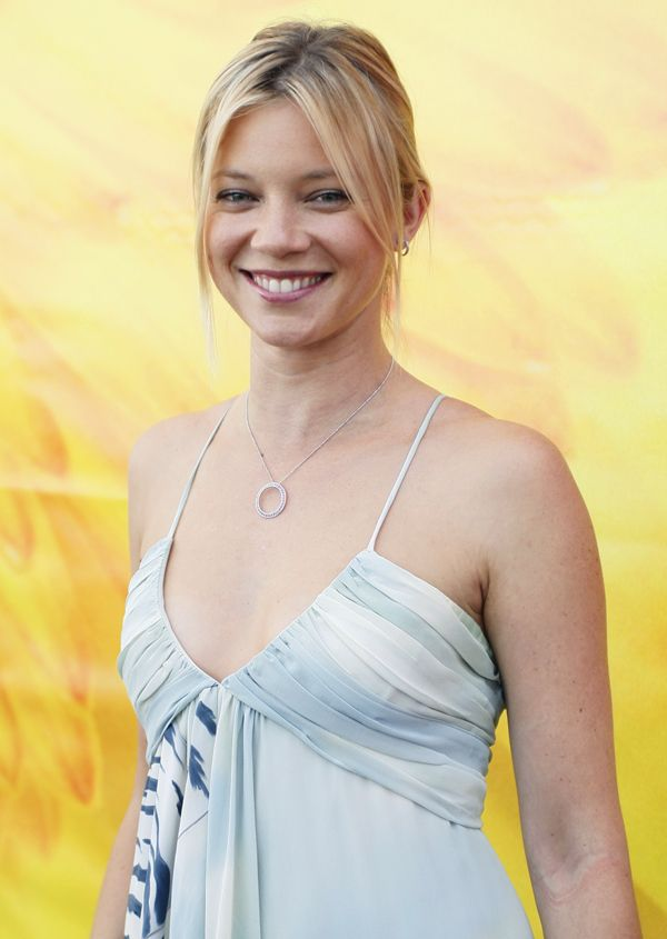 Amy Smart Short Hair Images