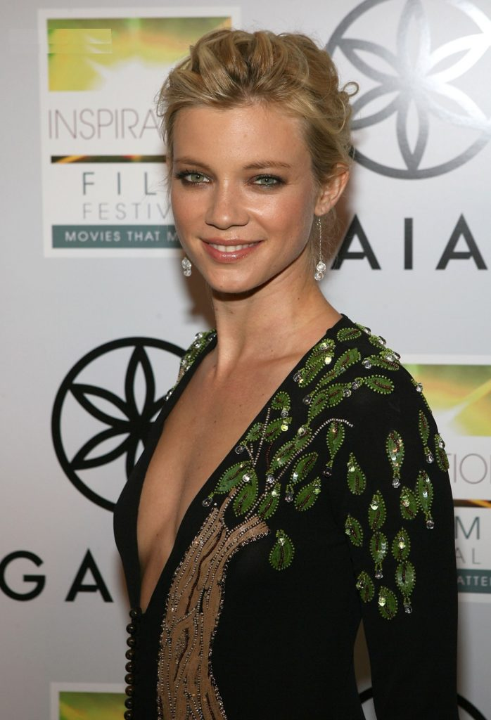Amy Smart Short Hair Pictures