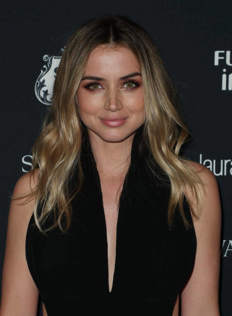 Ana de Armas Sexy Eyes Photos
