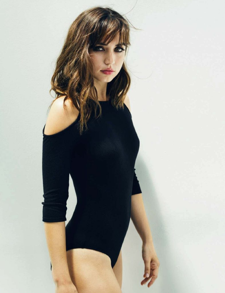 Ana de Armas Swimsuit Photos