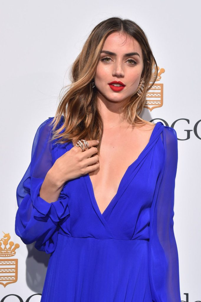 Ana de Armas Young Photos