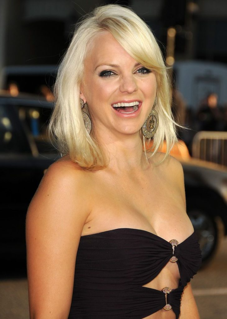 Anna Faris Bold Images