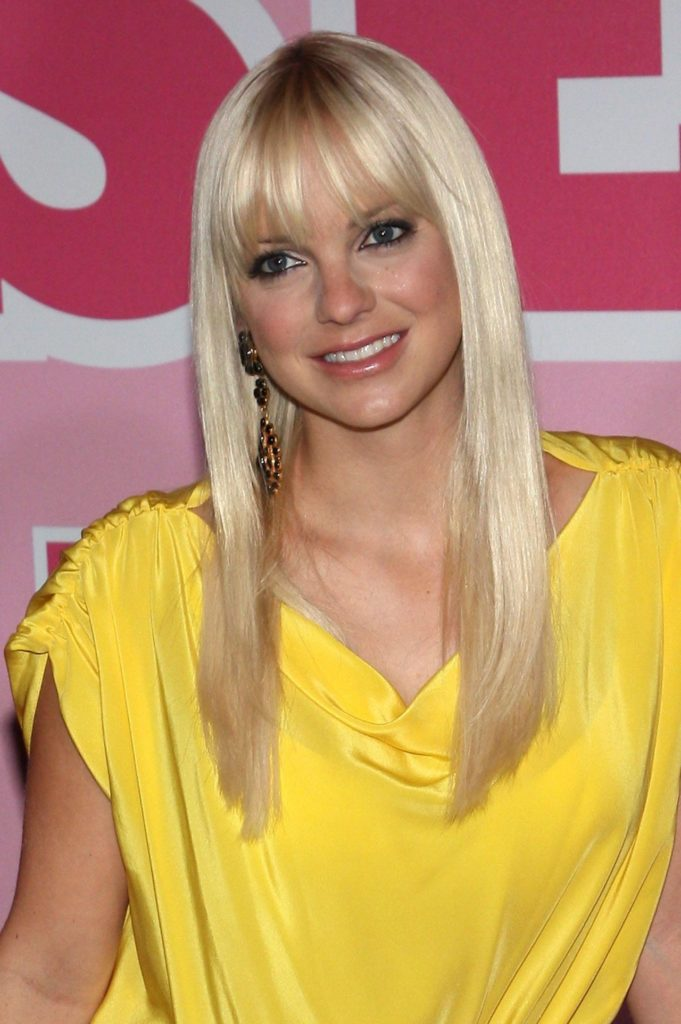 Anna Faris Yellow Dress Pictures