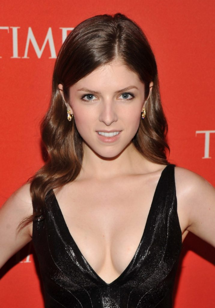 Anna Kendrick Topless Images