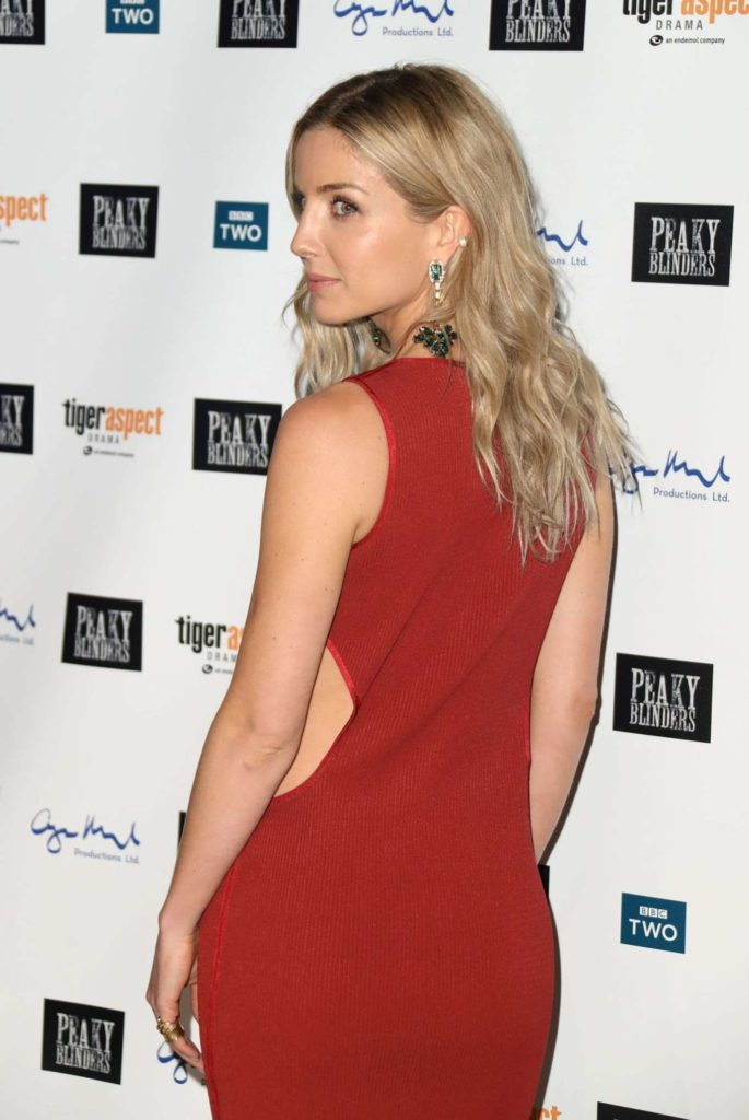 Annabelle Wallis Butt Photos