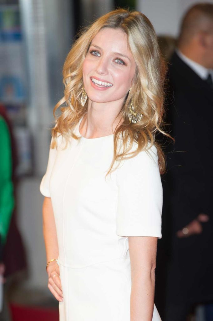 Annabelle Wallis Makeup Photos