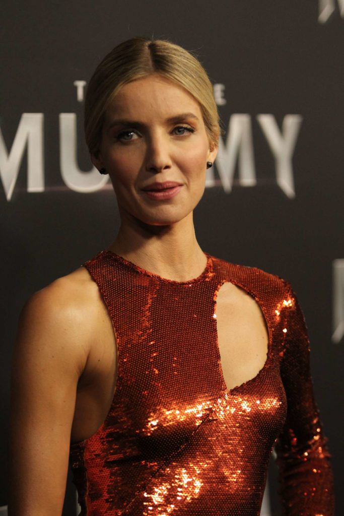 Annabelle Wallis Topless Images
