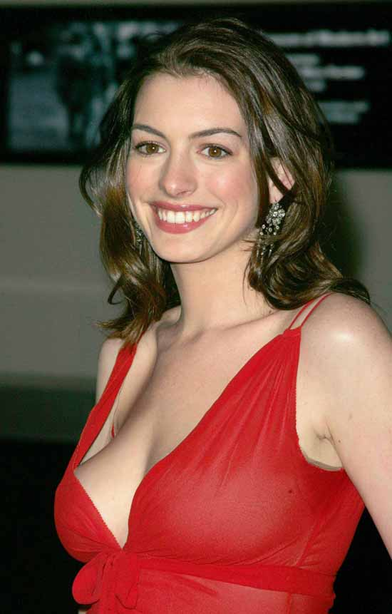 Anne Hathaway Topless Photos