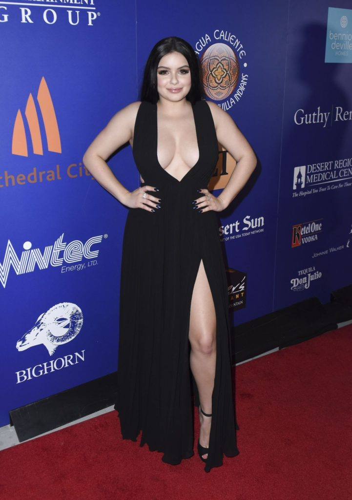 Ariel Winter Hot Sexy Photoshoot