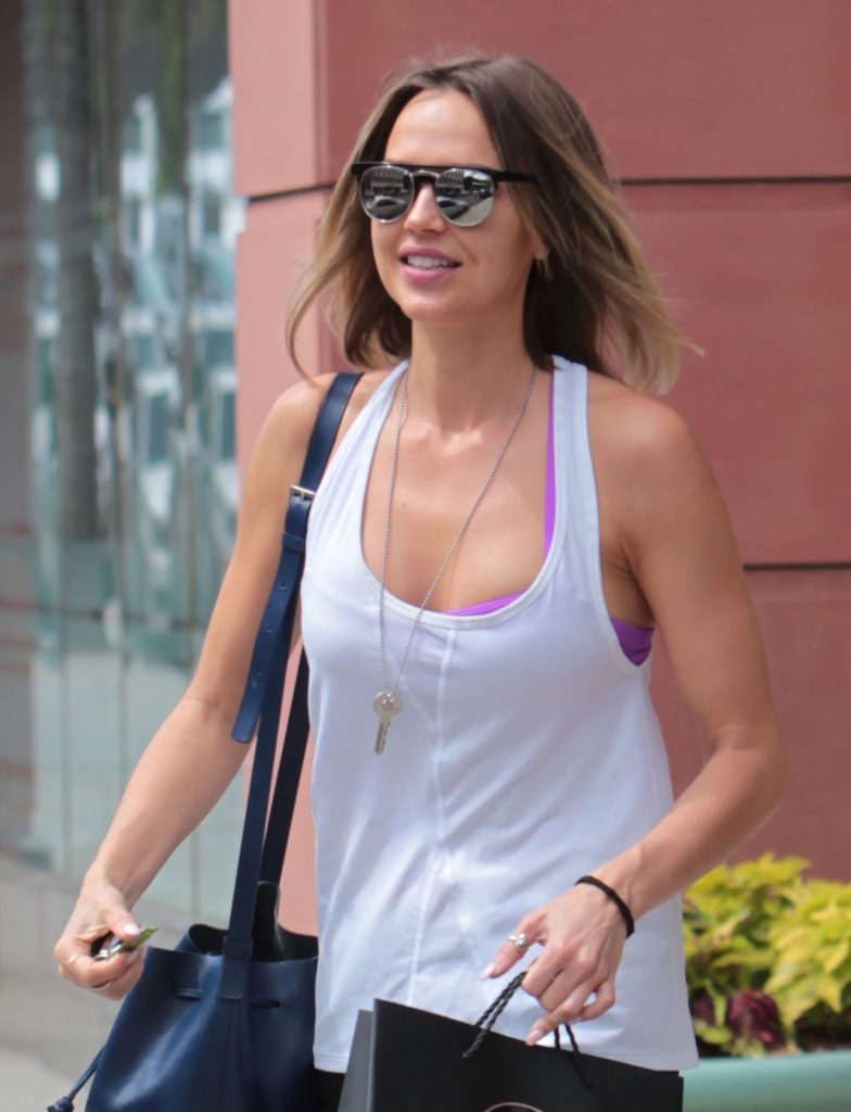 Arielle Kebbel Muscles Images