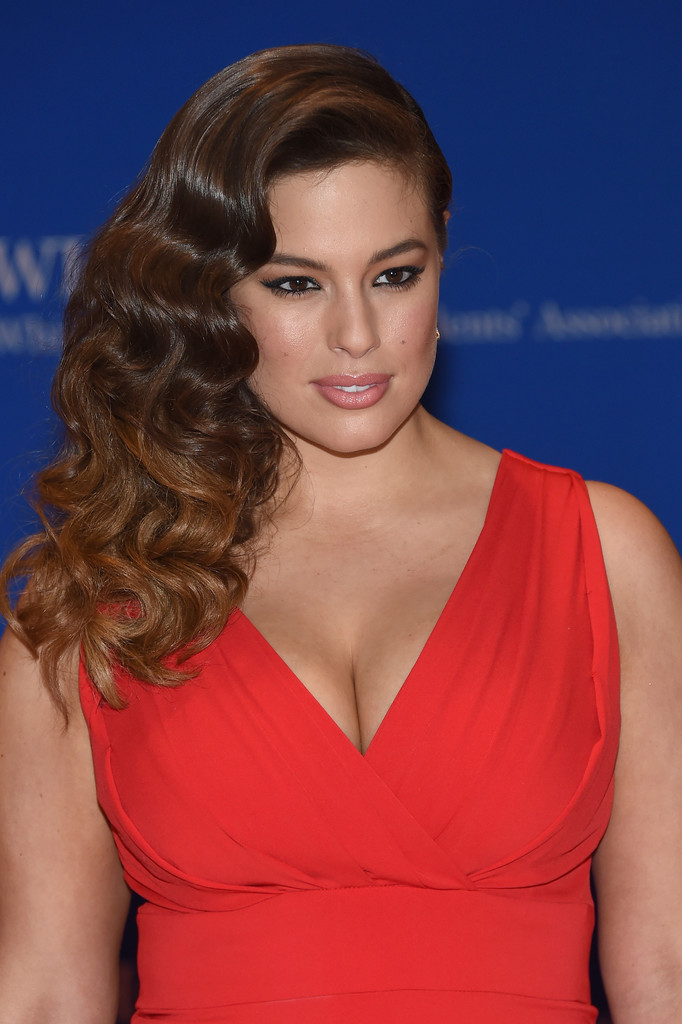 Ashley Graham Smile Face Wallpapers