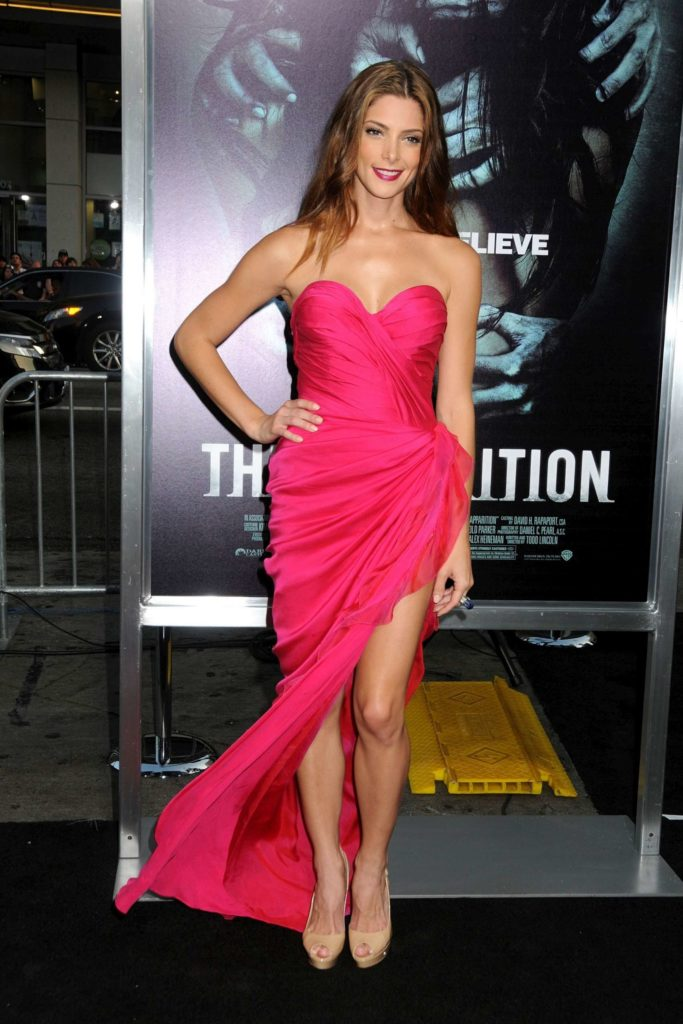 Ashley Greene Legs Pictures