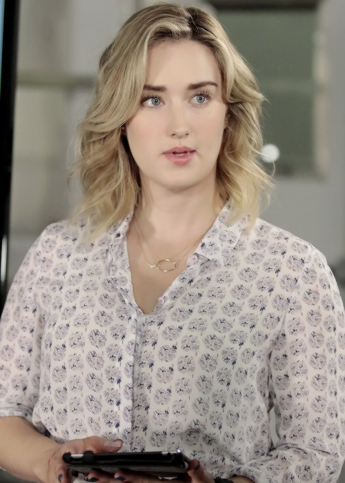Ashley Johnson Oops Moment Images