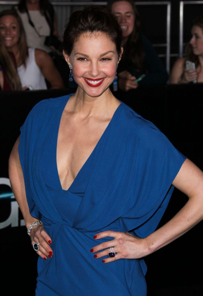 Ashley Judd Topless Wallpapers