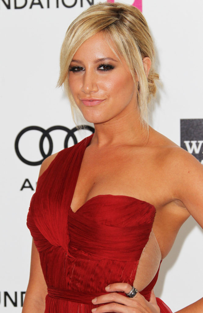 Ashley Tisdale Gown Pictures