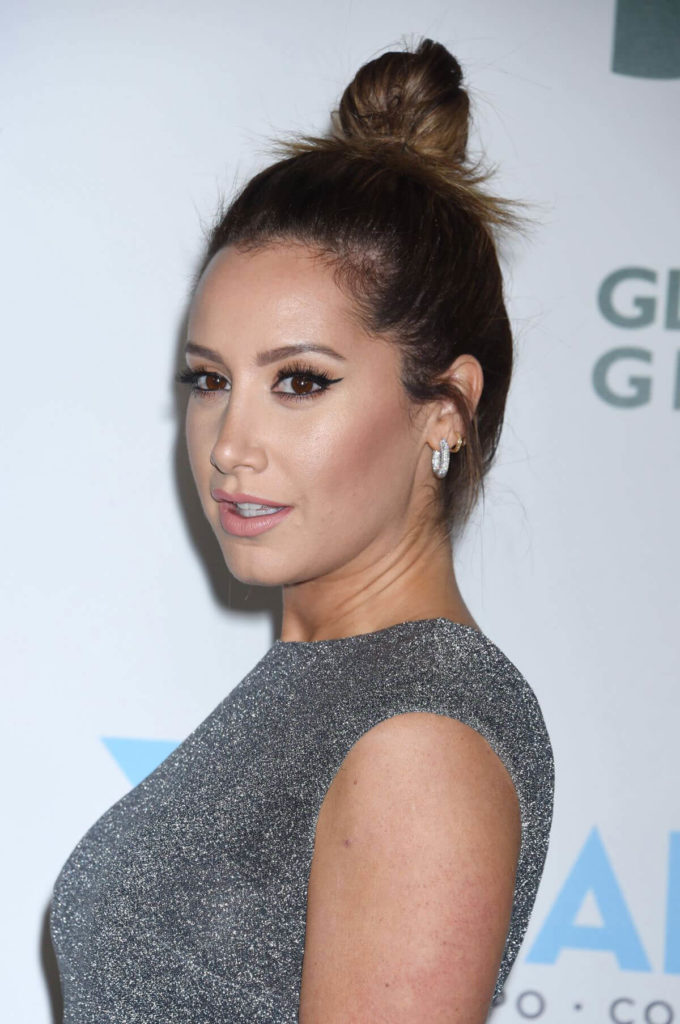 Ashley Tisdale Makeup Wallpapers