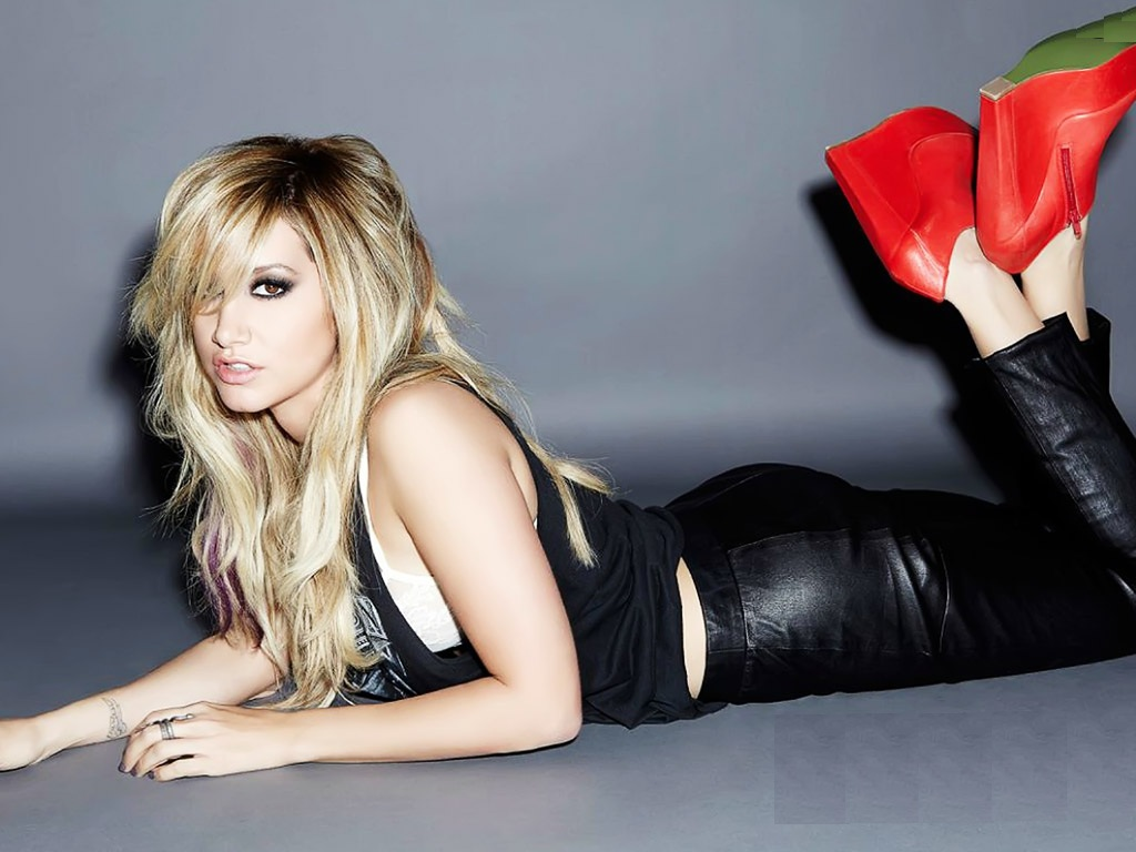 Ashley Tisdale Sexy Wallpapers