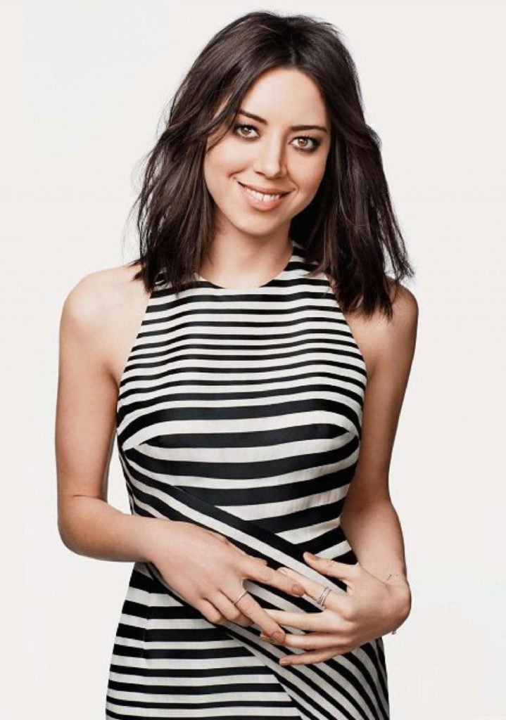 Aubrey Plaza Cleavage Images