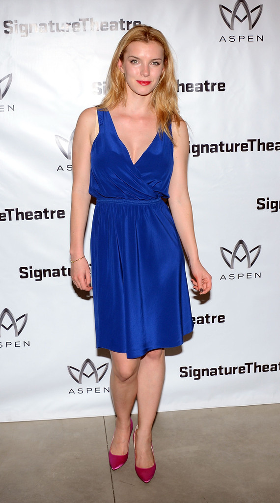 Betty Gilpin Undergarments Pictures