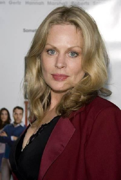 Beverly D'Angelo Photos