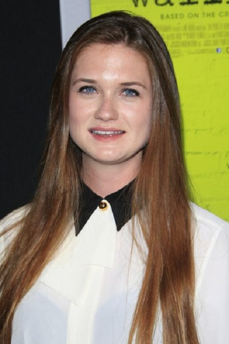 Bonnie Wright Braless Pictures