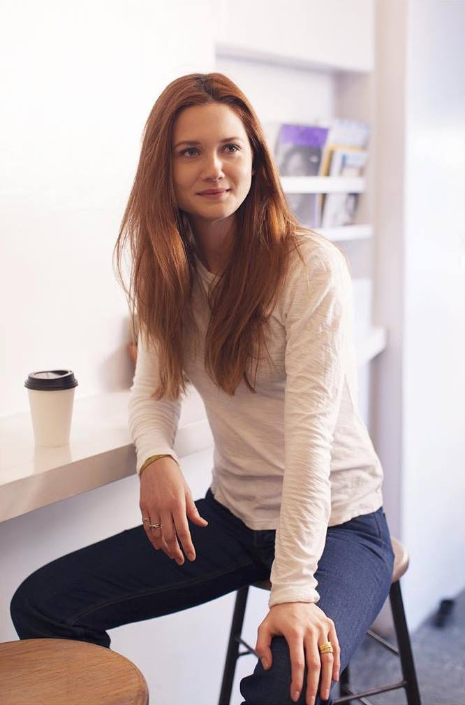 Bonnie Wright Jeans Wallpapers