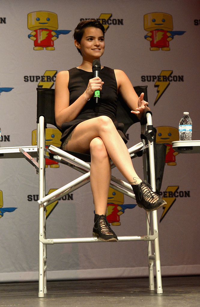 Brianna Hildebrand Legs Wallpapers