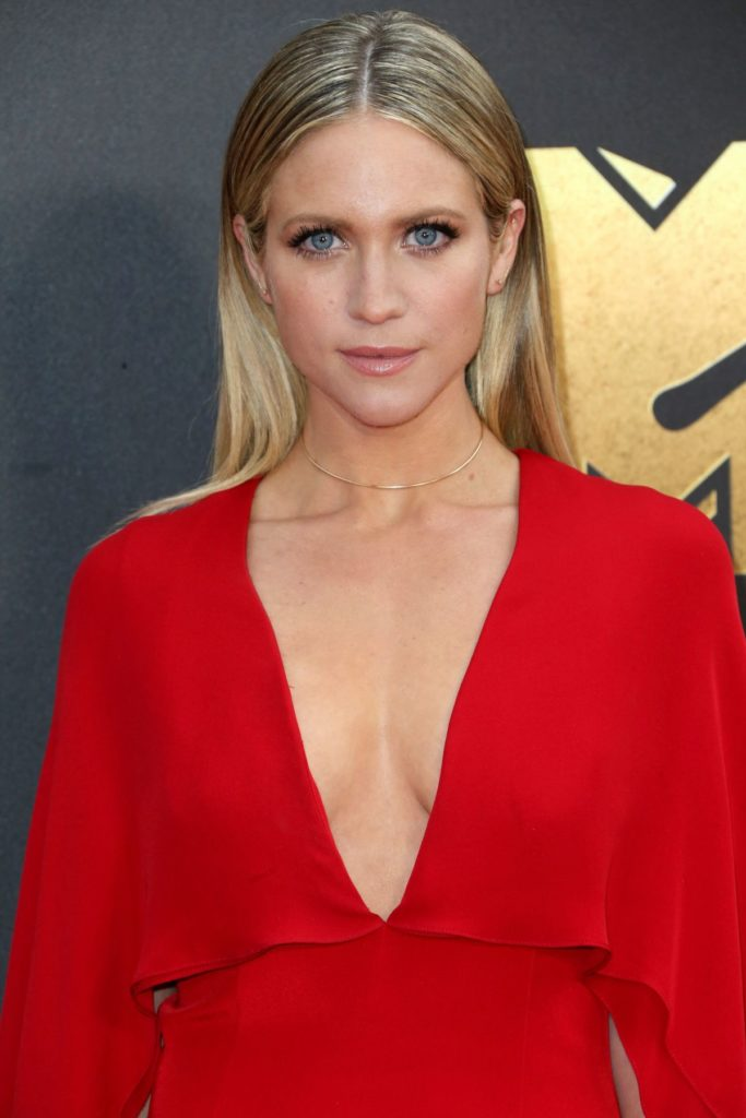 Brittany Snow Boobs Images