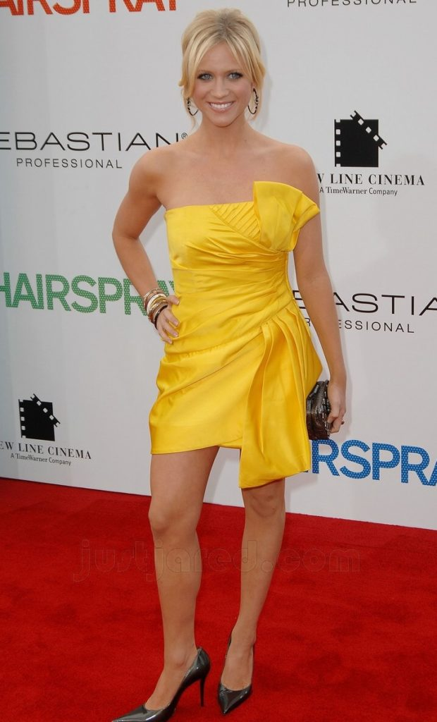 Brittany Snow Feet Pictures