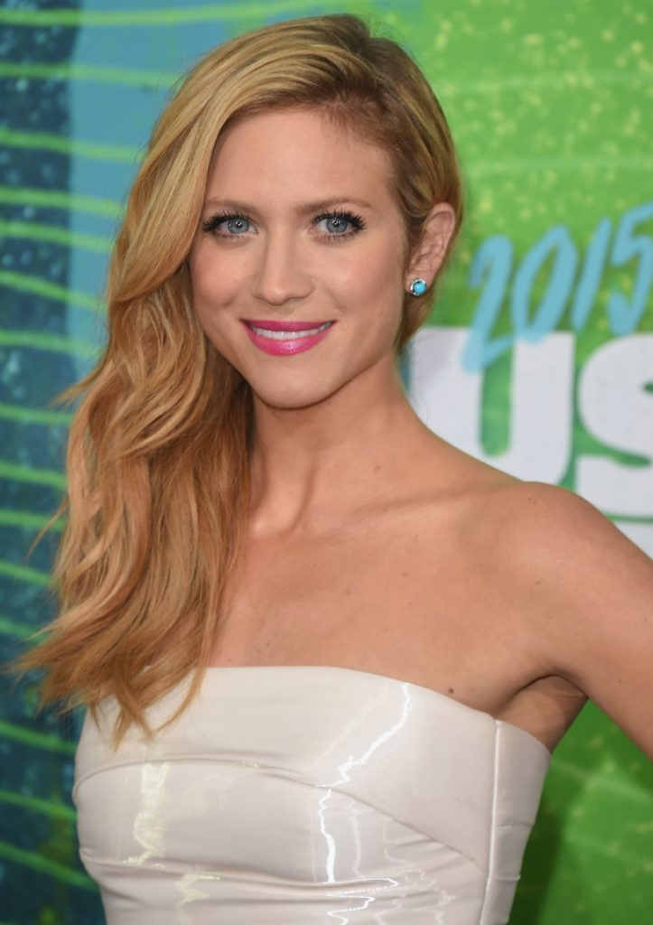 Brittany Snow Sexy Wallpapers