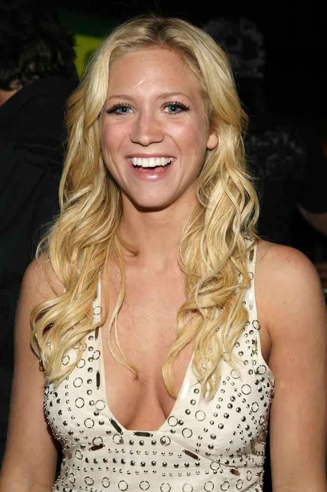 Brittany Snow Smileing Wallpapers