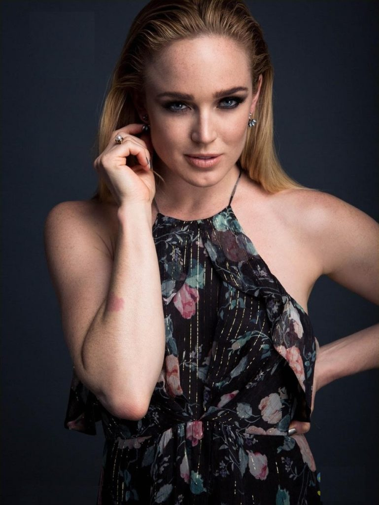 Caity Lotz Smile Face Wallpapers