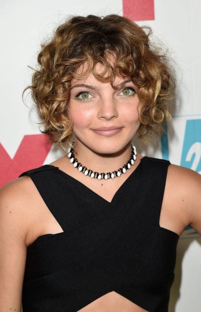 Camren Bicondova Cute Photos